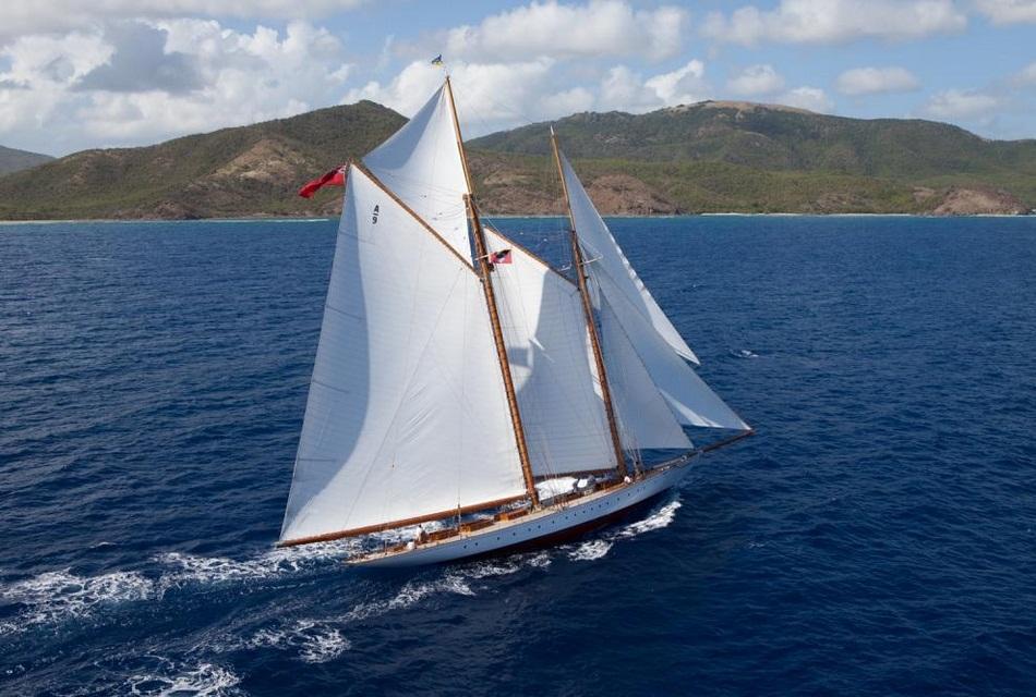 Luxury Yacht Elena (2)
