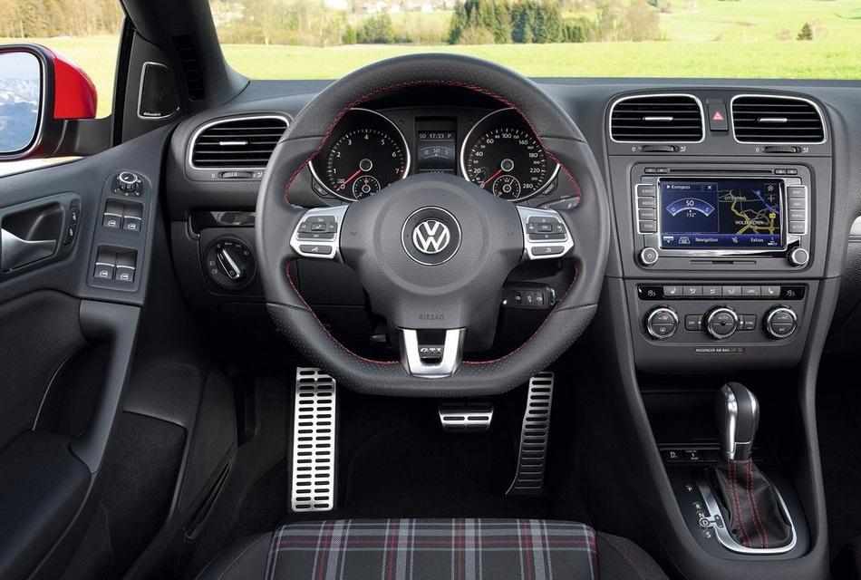 Volkswagen 2013 Golf GTI Cabriolet Convertible Car (4)