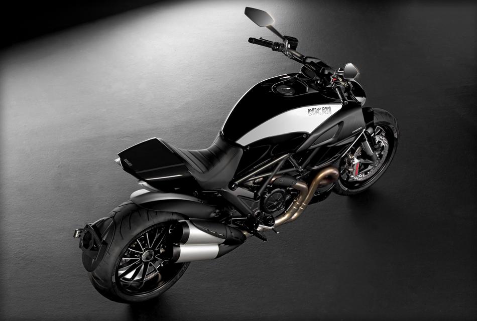 Ducati Diavel Cromo (3)