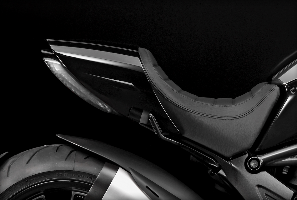 Ducati Diavel Cromo (1)