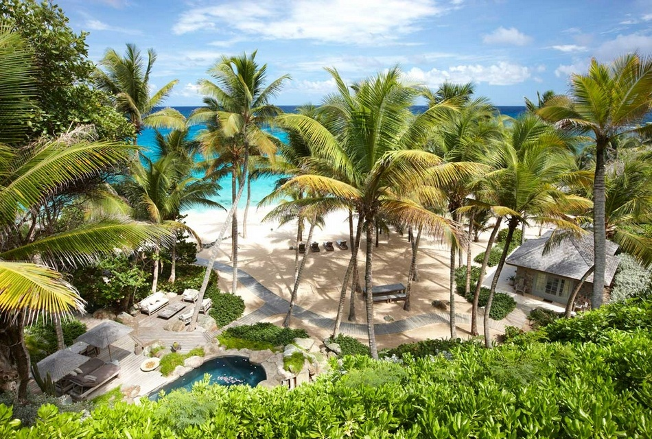 Sunrise House Macaroni Beach of Caribbean island of Mustique, West Indies (1)