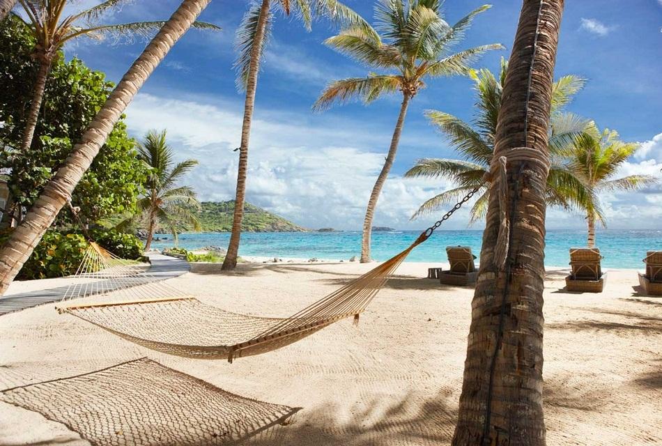 Sunrise House Macaroni Beach of Caribbean island of Mustique, West Indies (4)