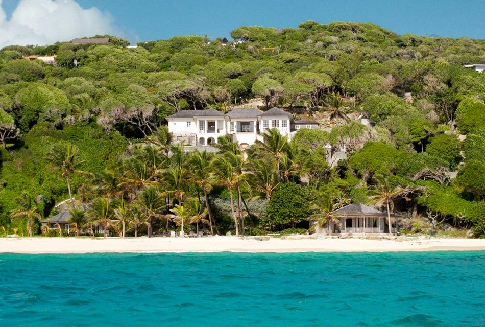 Sunrise House Macaroni Beach of Caribbean island of Mustique, West Indies (11)