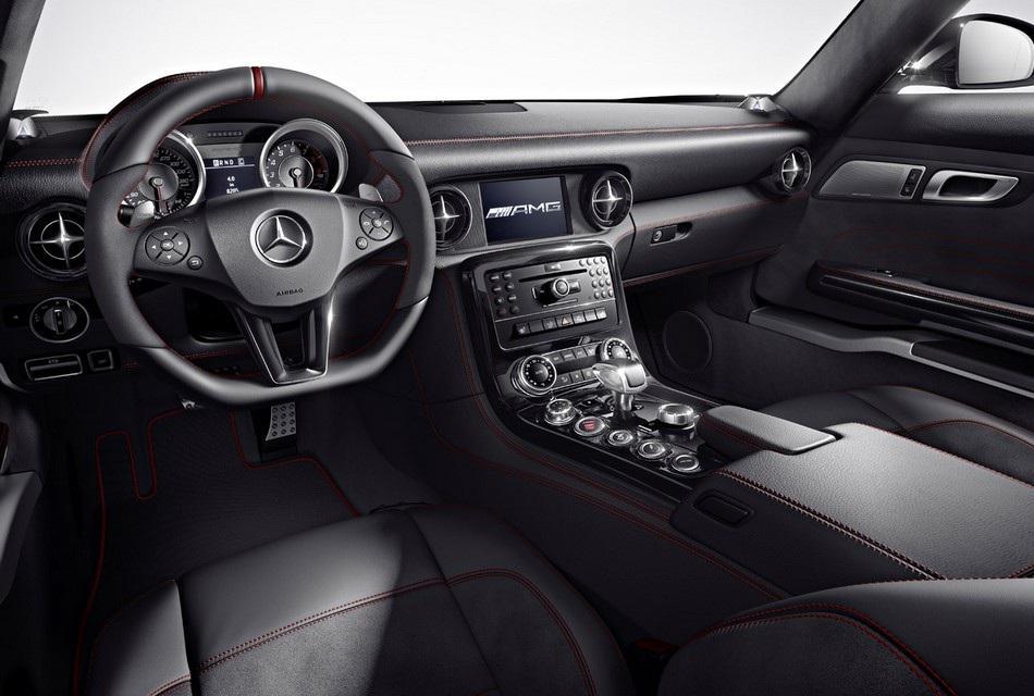 2013 Mercedes-Benz SLS AMG GT (2)