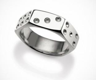 Nut Dice Ring