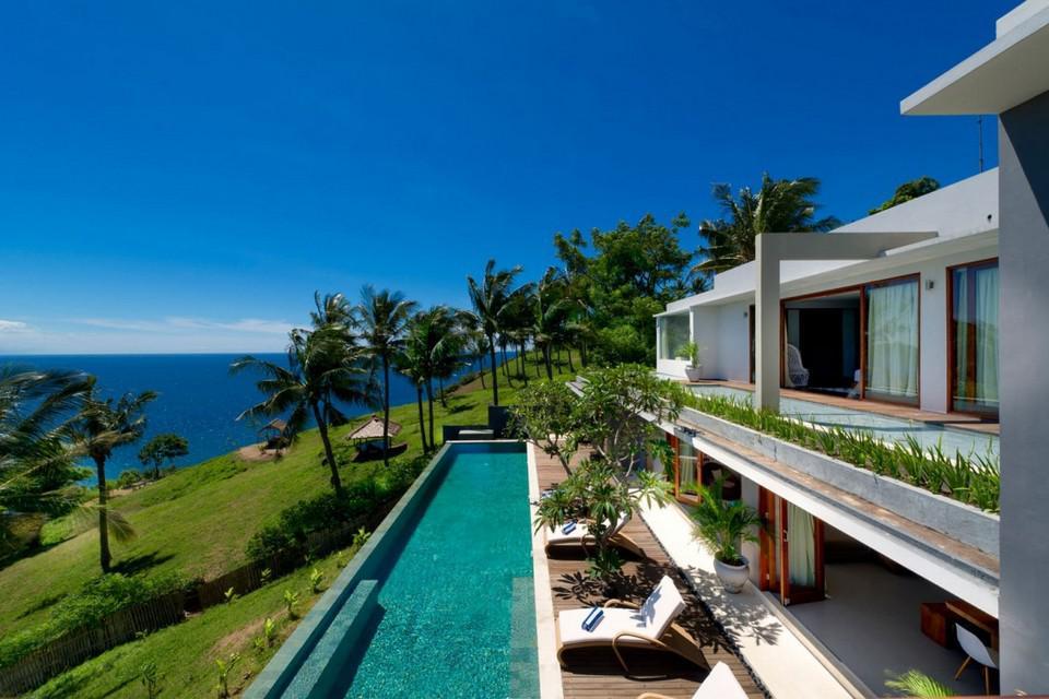 Luxury Malimbu Cliff Villa in Indonesia (9)