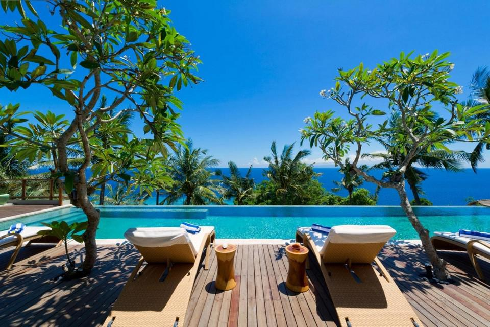Luxury Malimbu Cliff Villa in Indonesia (7)