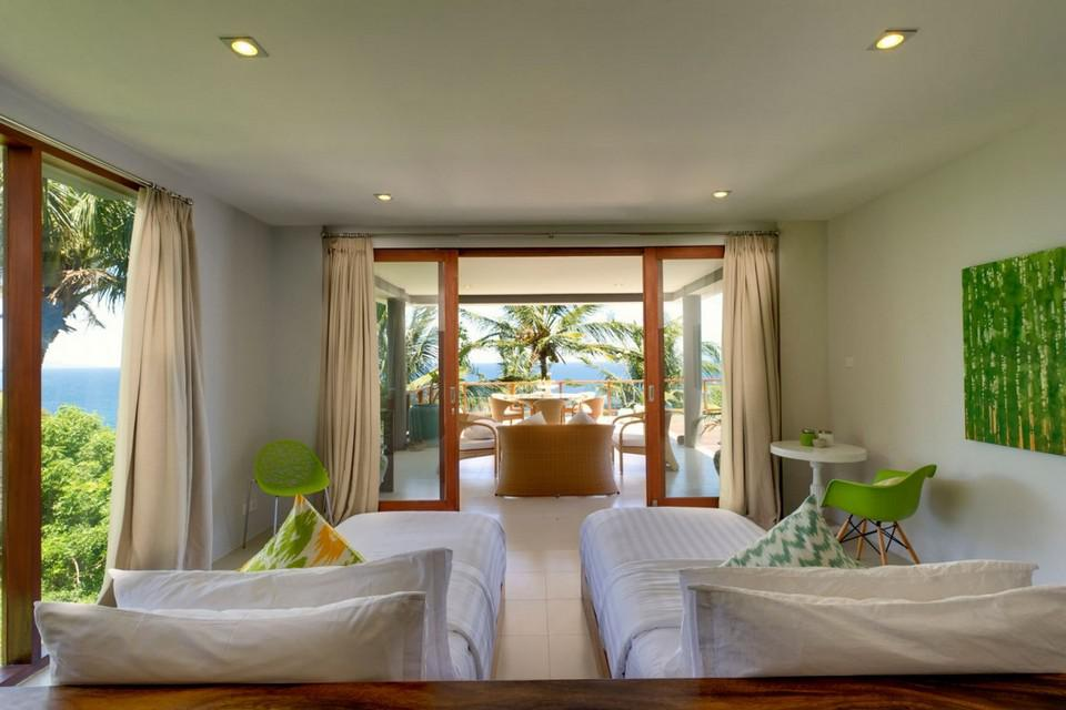 Luxury Malimbu Cliff Villa in Indonesia (3)