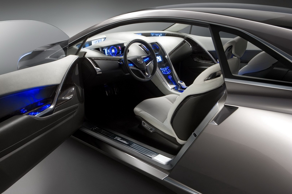 2013 Cadillac ELR Electric Car (3)