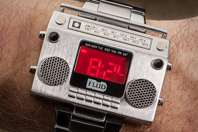 Boombox Metal Wristwatch (2)