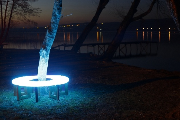 FOTON Solar-Powered illuminating Furniture (4)