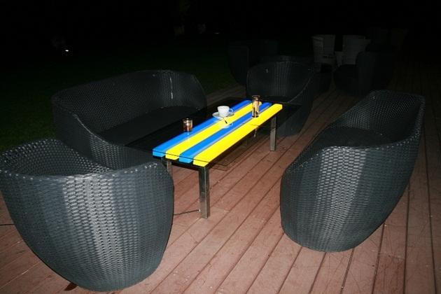 FOTON Solar-Powered illuminating Furniture (3)