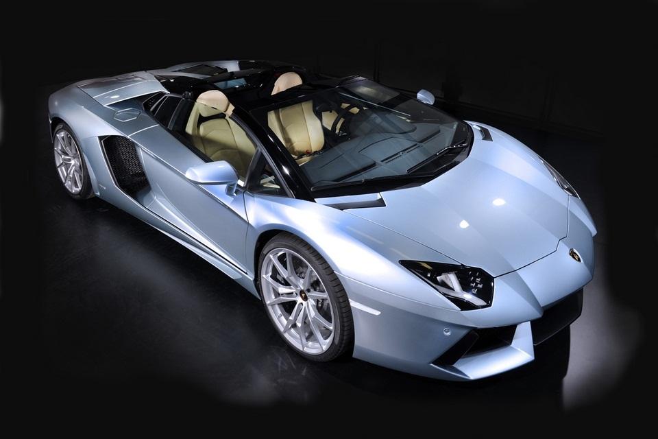 Lamborghini Aventador LP 700-4 Roadster (2)