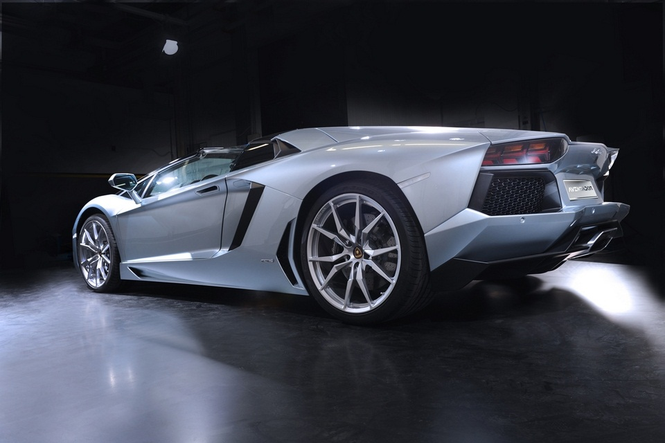 Lamborghini Aventador LP 700-4 Roadster (1)