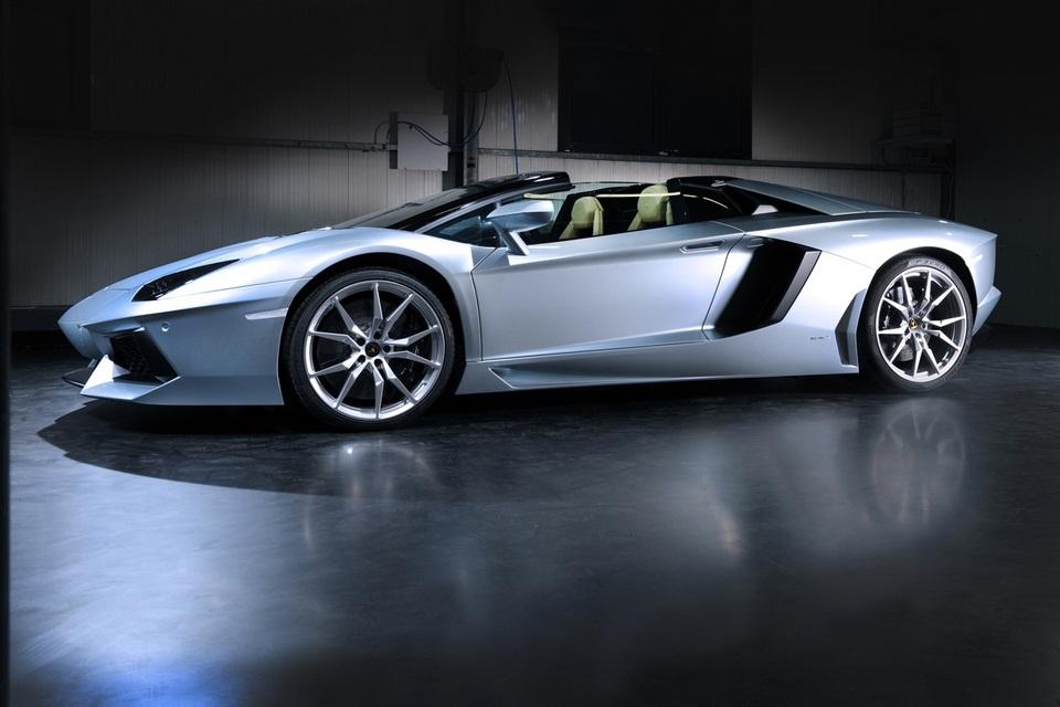 Lamborghini Aventador LP 700-4 Roadster (7)