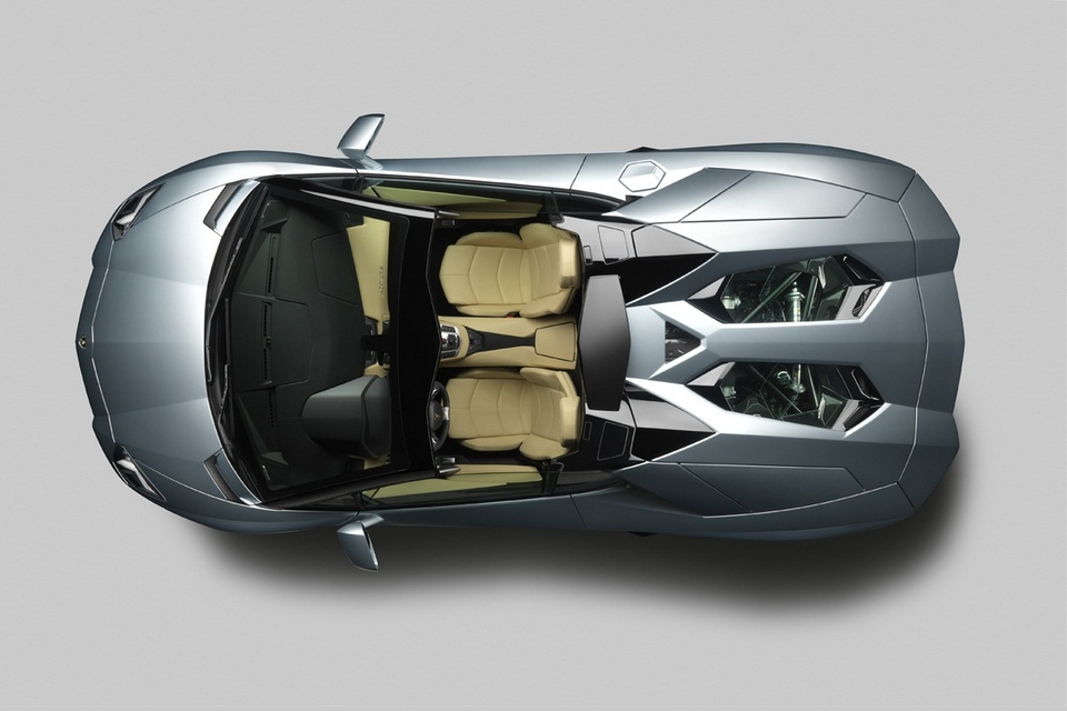 Lamborghini Aventador LP 700-4 Roadster (6)
