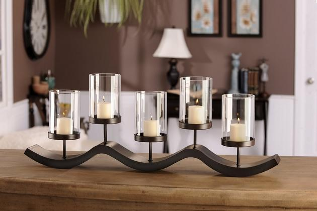 Medal candle holder bonjourlife for Decorating dining table with candles