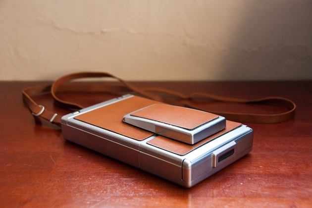 Polaroid SX-70 Alpha Instant Folding Camera (2)