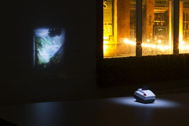 Projecteo - Tiny Instragram Projector (2)