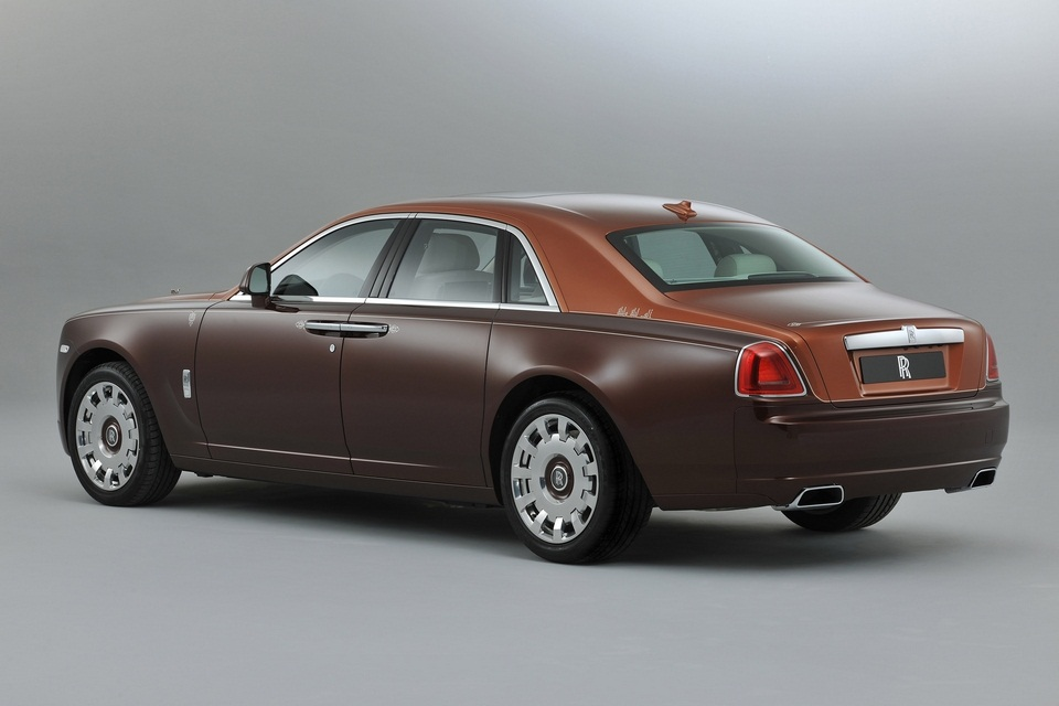 Rolls-Royce One Thousand and One Nights Bespoke Ghost Collection (6)