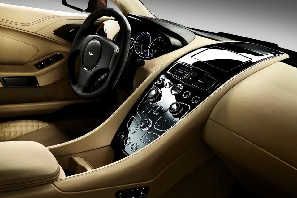 2014 Aston Martin Vanquish (1)