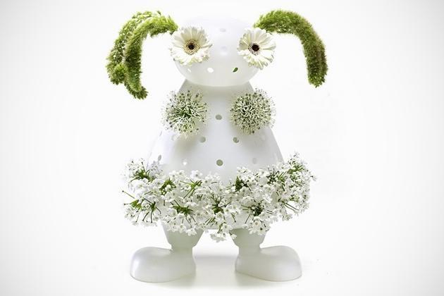 """Creative """"Bloom My Body"""" Vase"""