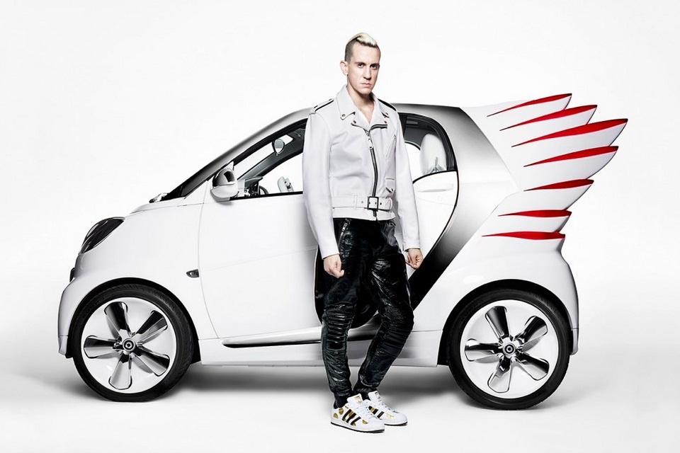 Jeremy Scott-designed custom Smart ForTwo (2)