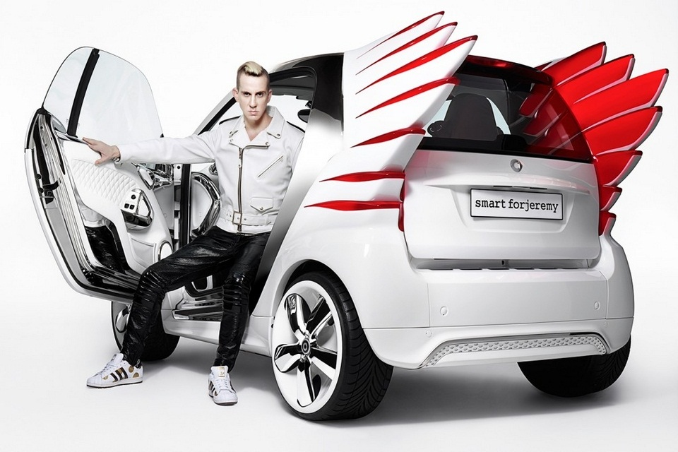 Jeremy Scott-designed custom Smart ForTwo (1)