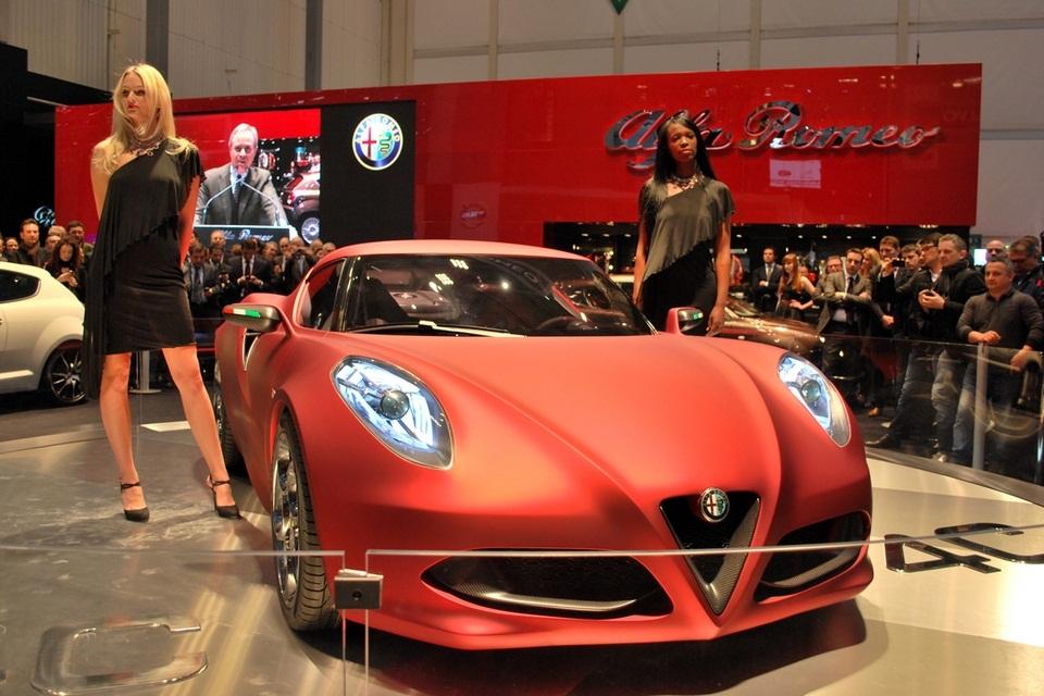 2013 Alfa Romeo 4C (1)