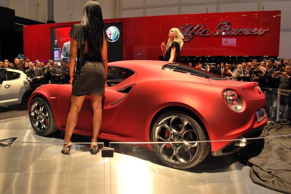 2013 Alfa Romeo 4C (3)