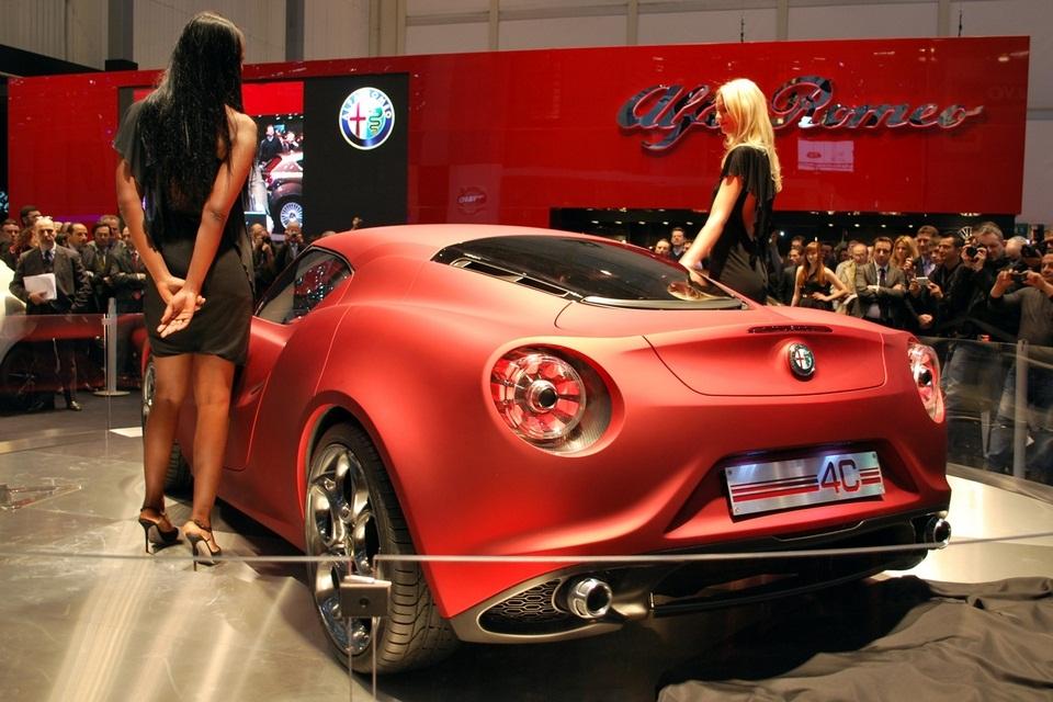 2013 Alfa Romeo 4C (4)