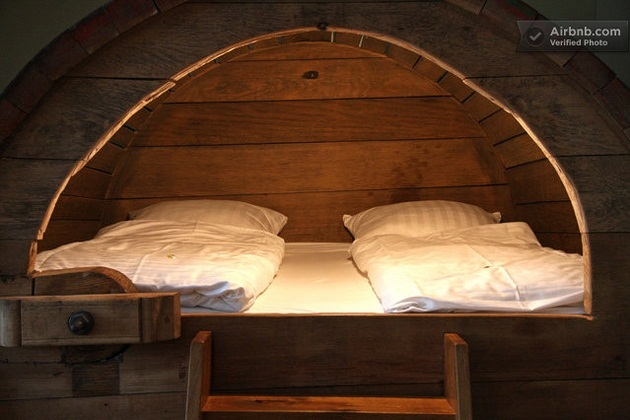 Beer barrel bedroom (7)