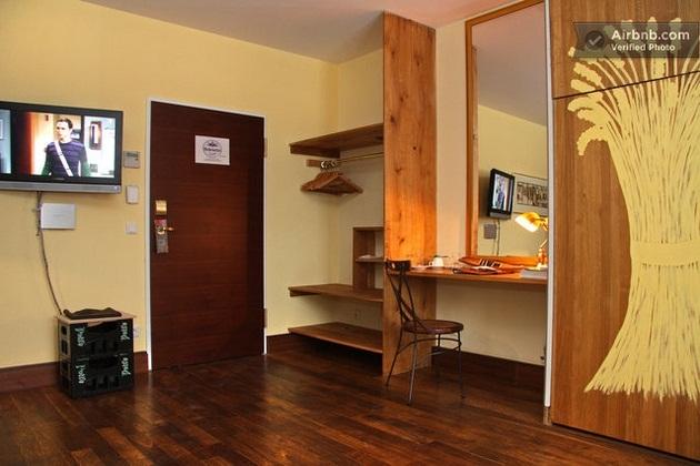 Beer barrel bedroom (4)