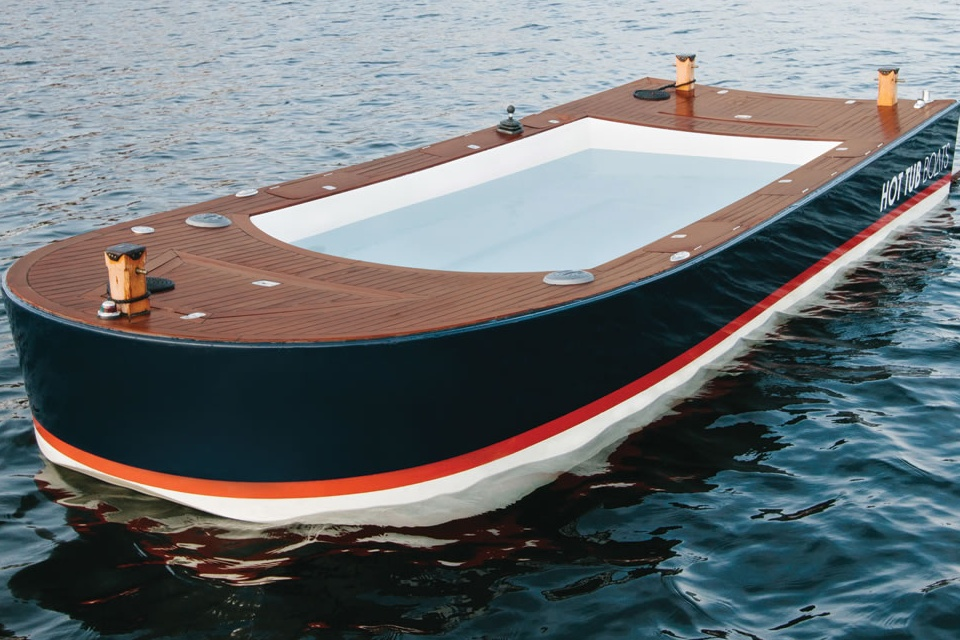 The Hot Tub Boat (4)