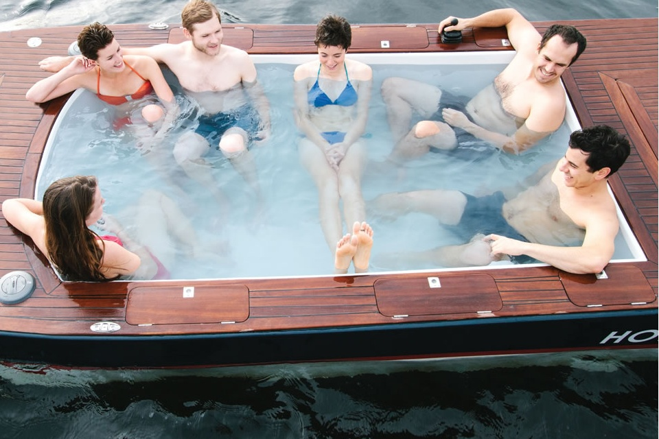 The Hot Tub Boat (1)
