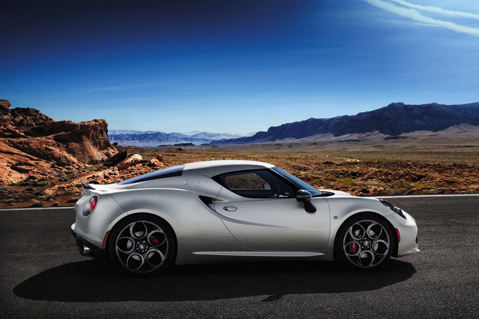 Alfa Romeo 4C Launch Edition (2)