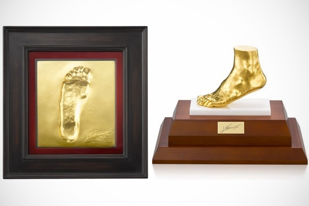 Lionel Messi Gold Foot by Ginza Tanaka (2)