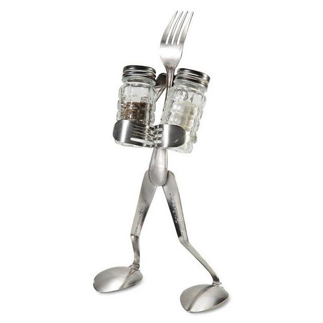Creative Salt and Pepper Man Stand