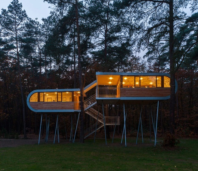 Buamruam – Treehouse in Belgium (1)