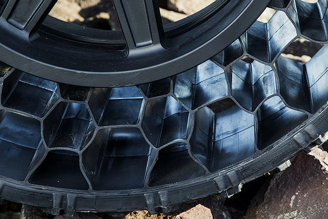 Polaris ATV Airless Tires Machine Hits The Road (5)
