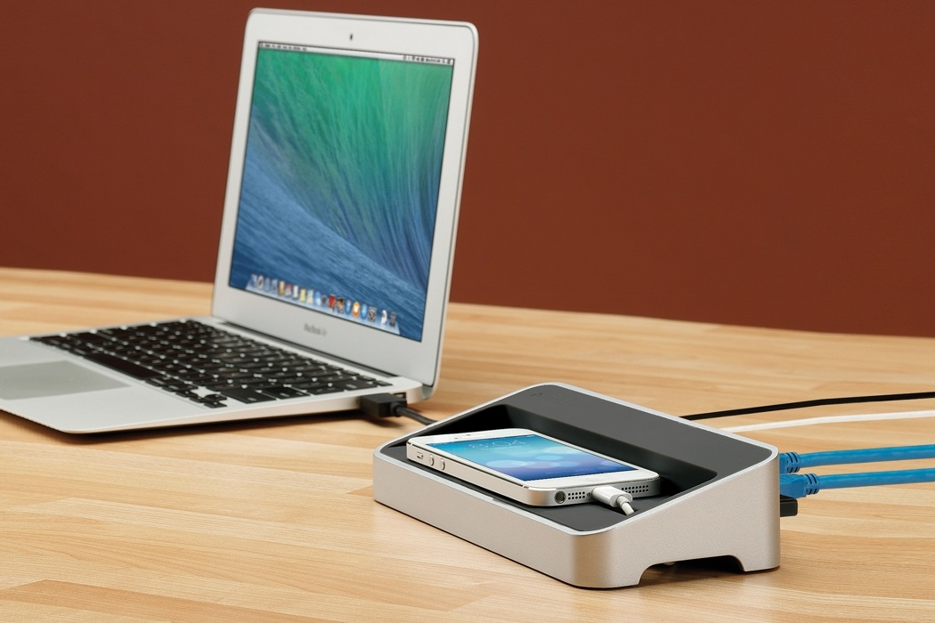 SimpleDock Expansion and Charging Station (2)