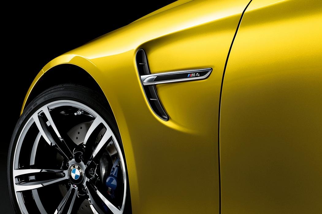 2015 BMW M4 (4)