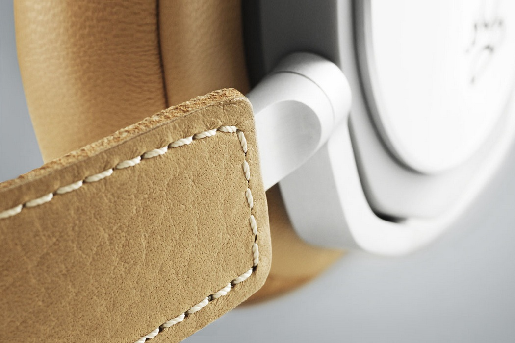 Bang & Olufsen Beoplay H6 Headphones (3)