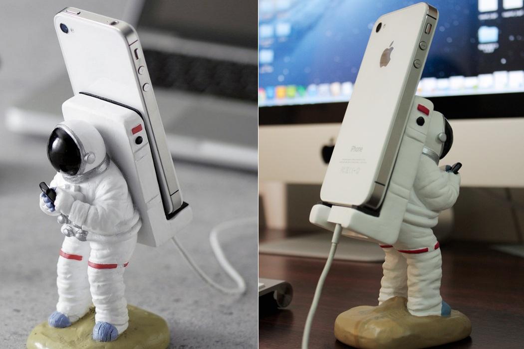 Smartphone Mount Astronauts (1)