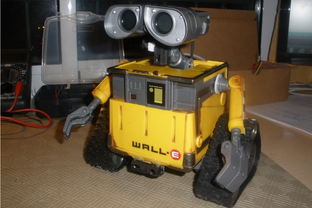 Arduino - Wall-E Robot With Voice Commands (6)