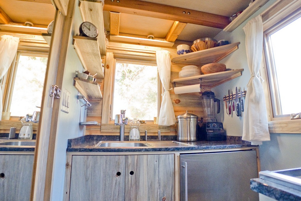 Tiny House On Wheels (9)