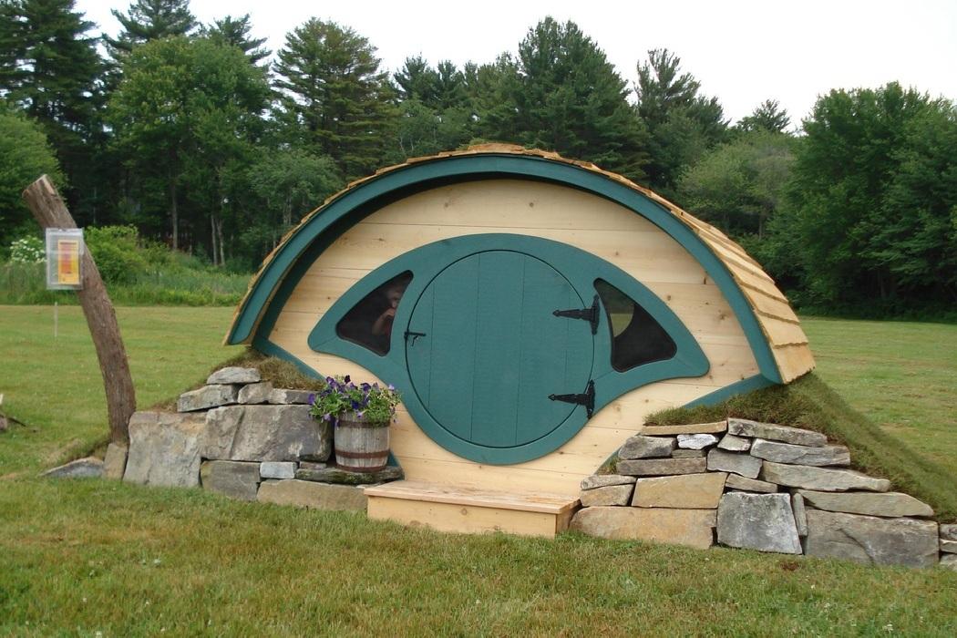 Magic mountain hotel chile bonjourlife for Hobbit style playhouse
