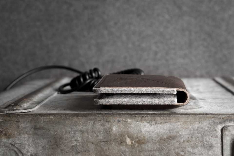 Hard Graft - iPhone Fold Wallet (2)