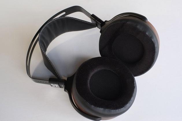 HiFiMAN HE-560 Planar Dynamic Headphones