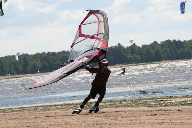 Kitewing Wind Powered Handheld Sails